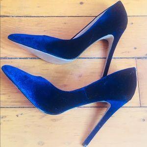 Steve Madden- wicket velvet pumps in Blue